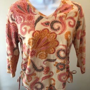 Cute paisley pullover top with 3/4 sleeves